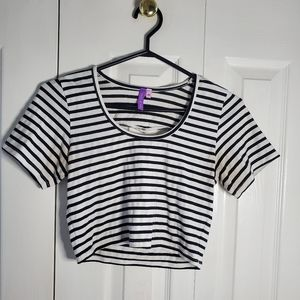 Cute Striped Cropped Top Medium fits like a Small